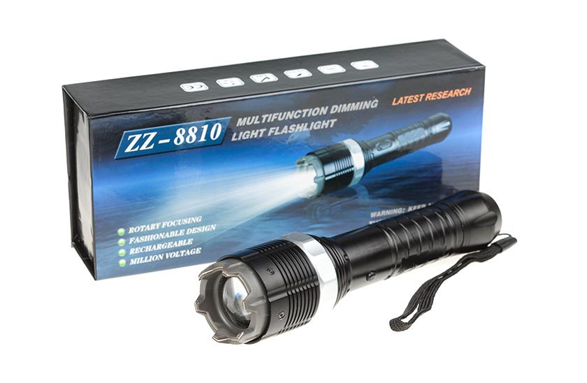 Elektrický paralyzér ukrytý v baterce - 3 druhy svícení.
