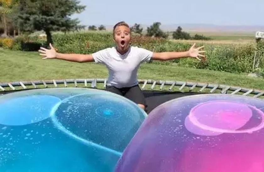Užasná gumová koule – Wubble Bubble