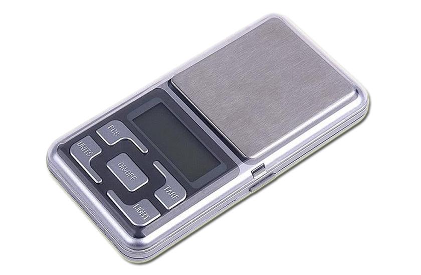 Digitální váha - S rozlišením po 0,01g pro vážení mincí, šperků.